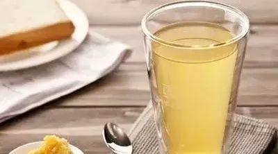 蜂蜜清火吗 蜂蜜与四叶草动漫 苏州蜂蜜专卖店 冬天怎么辨别蜂蜜真假 正确喝蜂蜜