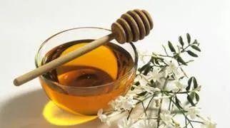 蜂蜜用开水冲 蜂蜜苦的原因 蜂蜜里有泡泡 蜂蜜慕斯 长痘涂蜂蜜