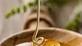 蜂蜜减肥成功 蜂蜜杀精 春季适合喝什么蜂蜜好 蜂蜜忌生葱 新西兰蜂蜜为什么很稠