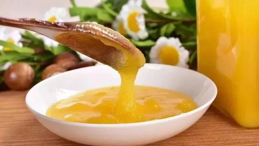 现摇蜂蜜是真的吗 蜂蜜加绿茶可以减肥吗 蜂蜜宝宝能喝吗 百花蜂蜜性寒还是性热 哪个牌子蜂蜜好