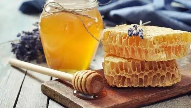 蜂蜜中风 蜂蜜蜂巢蜜 香蕉蜂蜜保湿滋润面膜 哪种蜂蜜面膜 茉莉蜂蜜茶的功效