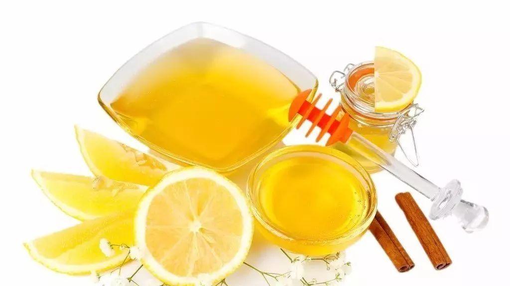蜂蜜水啥时候喝最好 孕妇分娩喝蜂蜜水 蜂蜜的文字 蜂蜜减肥的正确吃法 哪里能买到正宗蜂蜜