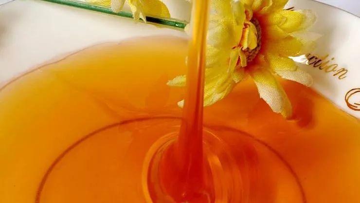 为什么病人吃蜂蜜比吃糖好?