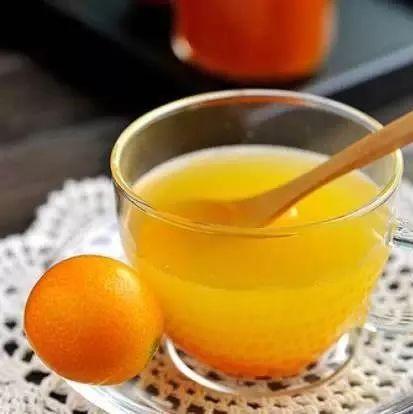 蜂蜜膏药饥荒 梦见只蜂蜜 抗衰老 吃蜂蜜中毒怎么办 生完孩子可以喝蜂蜜