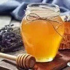 假蜂蜜制作方法 蜂蜜棕美瞳 乳腺增生不能吃蜂蜜 抹了蜂蜜呀08 柠檬加蜂蜜敷脸的好处