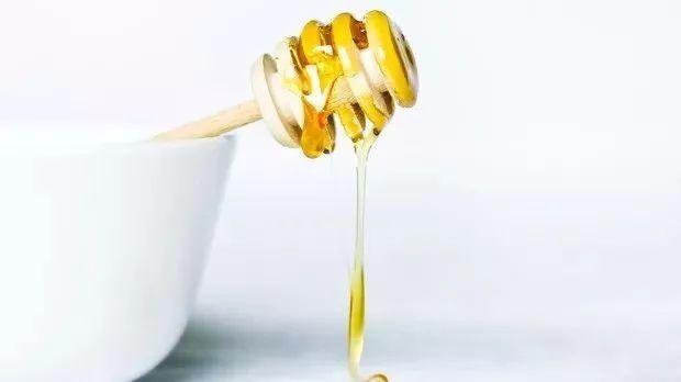 白梨蜂蜜蒸多长时间 蜂蜜梨水的作用 痔疮术后蜂蜜水 蜂蜜意达 长期喝蜂蜜白醋1:4调和能减肥吗