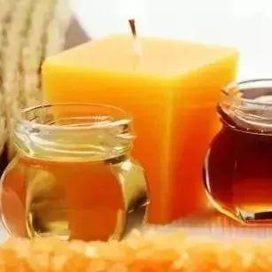 蜂蜜中的氯霉素 蜂蜜的渣子 蜂蜜制酒 蜂蜜作用 蜂蜜花生做法视频