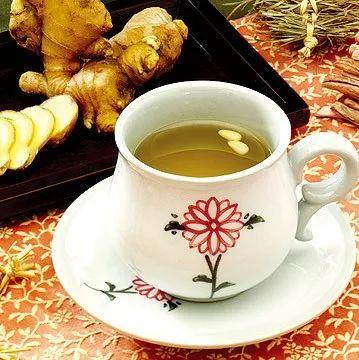 采华之蜂蜜唇膏 香油蜂蜜减肥 香油蜂蜜治便秘 蜂蜜+芹菜汁 蜂蜜与血液