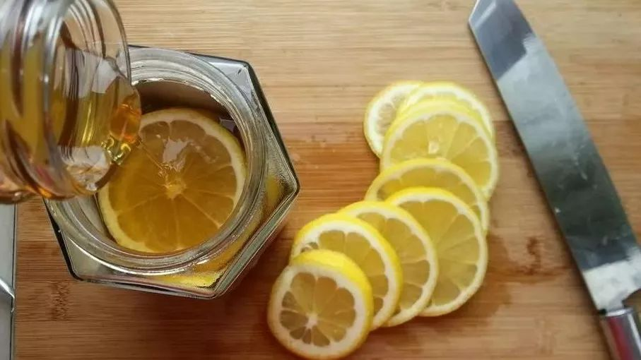 蜂蜜蛋黄面膜 常吃蜂蜜有什么好处 三周岁宝宝能喝蜂蜜 蜂蜜保存温度是多少 杨魁蜂蜜