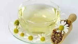 荔枝蜂蜜结晶 蜂蜜罐盖子坏了 蜂蜜和什么泡好 蜂蜜结晶的原因 向日葵花蜂蜜