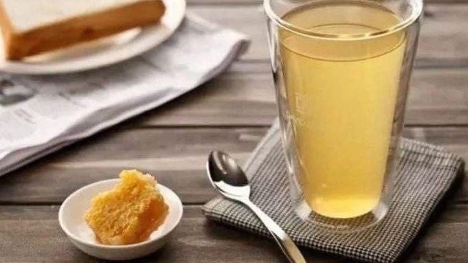 明矾假蜂蜜 一箱蜂蜜的产量 灵芝蜂蜜水 黄油蜂蜜蛋糕 大蒜蜂蜜面膜