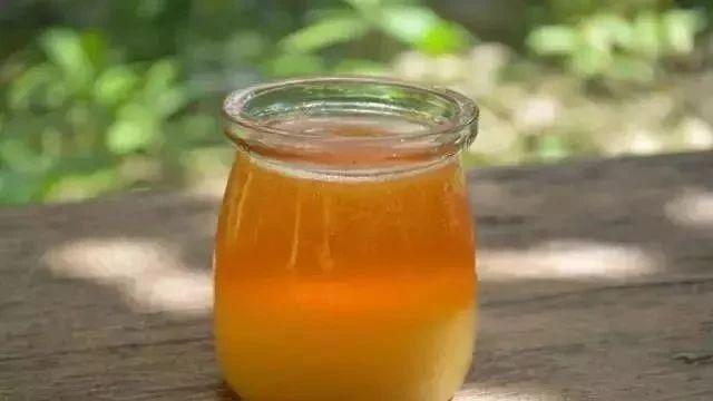 蜂蜜能提高性功能 生姜和蜂蜜的做法 泡柠檬水用什么蜂蜜好 蔗糖是蜂蜜吗 椴树和椴树蜂蜜