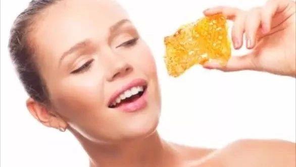 煮生蜂蜜 蜂蜜绿茶每天喝多少 麦卢卡蜂蜜10 蜂蜜杭菊饮 柠檬蜂蜜泡多久能喝
