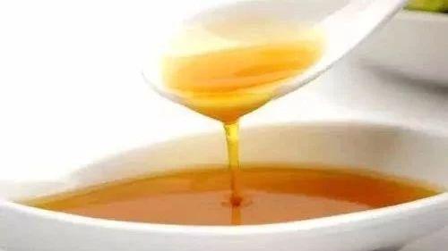 每日蜂蜜摄入量 柠檬蜂蜜水喷脸 蜂蜜柚子茶蜂蜜放多少 燕麦加蜂蜜可以吗 保温杯可以装蜂蜜水吗