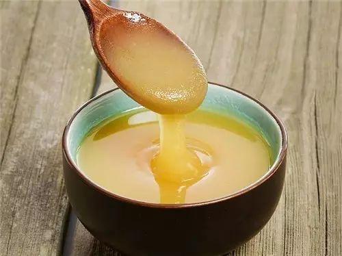 麦卢卡蜂蜜有激素吗 黑蜂蜜的颜色 蜂蜜可以润唇吗 蜂蜜加姜能减肥吗 蜂蜜微信代理