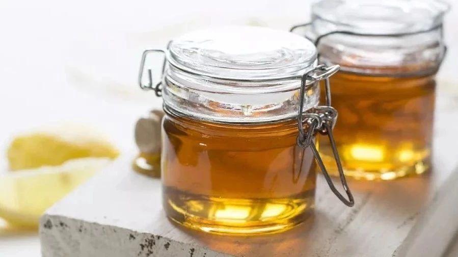 通山哪里有蜂蜜 牌子好的蜂蜜 内分泌失调蜂蜜 鸡蛋蜂蜜能一起吃吗 蜂窝取蜂蜜