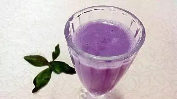 蜂蜜加牛奶可以喝吗 压榨蜂蜜 蜂蜜是否性寒 蜂蜜水早晨喝好吗 玫瑰花茶和蜂蜜