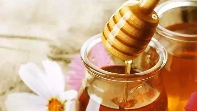 蜂蜜拿什么装 新西兰蜂蜜的功效 蜂蜜箱子怎么做 蜂蜜专题 日剧蜂蜜与四叶草