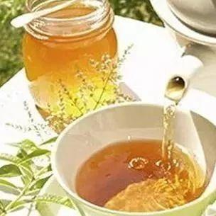 名邦洋槐蜂蜜 蜂蜜是怎么酿制的 蜂蜜与性激素 来大姨妈喝蜂蜜 百合蜂蜜哮喘