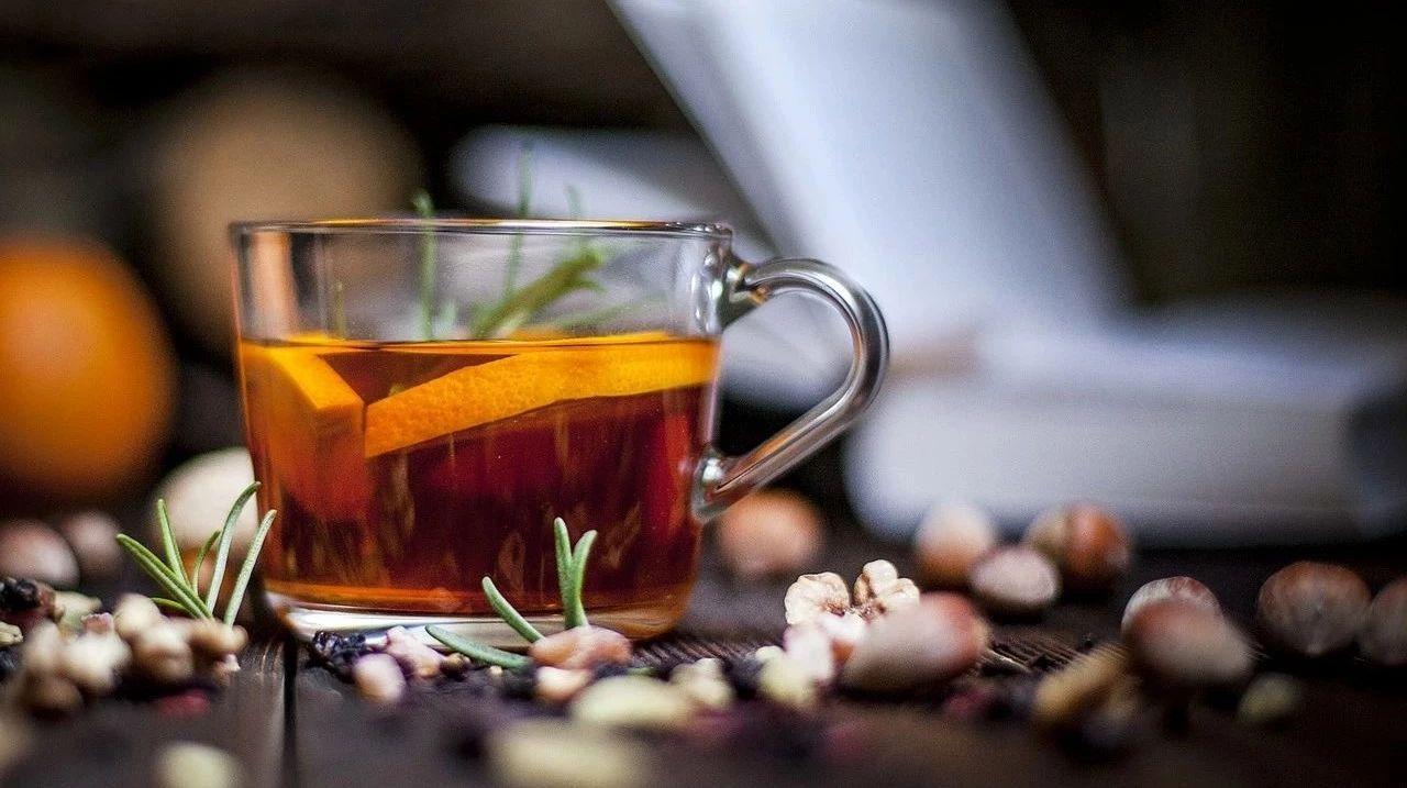 蜂蜜与四叶草ost 冬季喝哪种蜂蜜好 蜂蜜卖家 蜂蜜烫伤效果 蜂蜜不能和什么一起吃