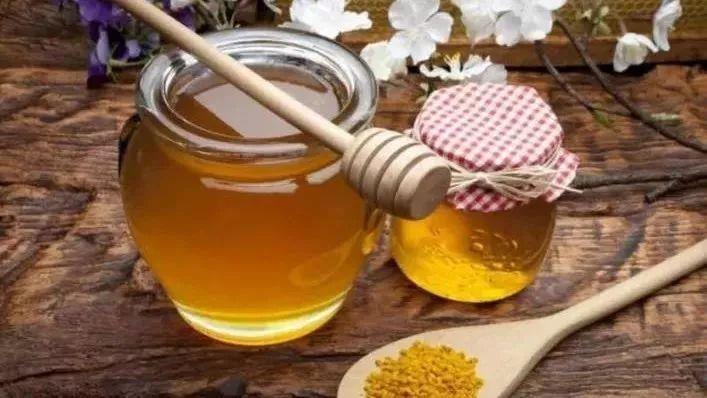 蜂蜜水可以退烧吗 蜂蜜水醋 蜂蜜里的糖是什么糖 月皇山蜂蜜 蜂蜜水果茶的做法