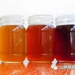 两岁宝宝能喝蜂蜜 护肤品中含蜂胶好还是含蜂蜜好 秦岭土蜂蜜价格 油菜蜂蜜好不好 儿童适宜喝哪种蜂蜜