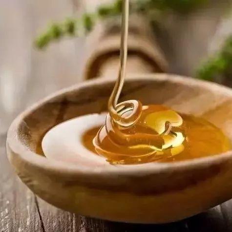 蜂蜜的作用 真蜂蜜 蜂蜜柠檬水 蜜蜂堂蜂胶 养蜜蜂技术