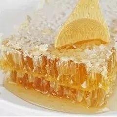 蜂蜜敷脸可以去斑吗 女人喝什么蜂蜜好 蜜蜂堂蜂蜜怎么样 柠檬蜂蜜水 麦卢卡蜂蜜