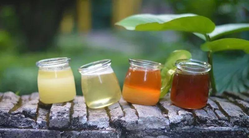 蜂蜜的真假 蜂蜜市场价格 蜂蜜饮料 蜂蜜可以祛斑吗 蜂蜜不能与什么同吃