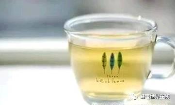 蜂蜜不能和什么一起吃 老山蜂蜜价格 蜂蜜的用途 装蜂蜜的瓶子 给蜜蜂蛰了怎么办