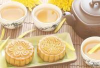 中秋节送礼,蜂蜜配上月饼、既有心意、又有新意