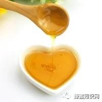 正真的纯天然蜂蜜产于蜂场,而不是工厂!这么多年蜂蜜你都白喝了吗?