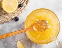 蜂蜜柚子茶的做法很简单,自已做的喝着更放心