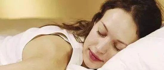 巧用 | 蜂蜜帮助治愈失眠!给你一个美好的晚安!