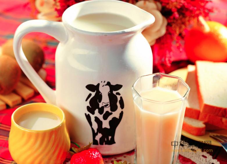 蜂蜜 蜂蜜 牛奶 醋 蜂蜜饮用 蜂蜜功效 防便秘 润肠胃 养颜美容