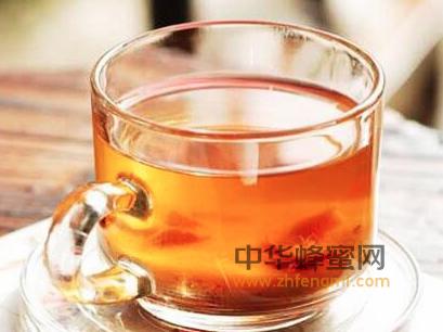 蜂蜜 金银花 菊花 蜂蜜菊花茶 蜂蜜饮用 蜂蜜作用 清热 降压