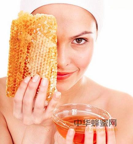 蜂蜜 美容 润肤 营养皮肤 清洁皮肤 除疱祛斑 养颜美发 抗衰老 功效 蜂蜜的美容功效 蜂蜜的作用与功效