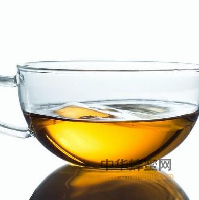 蜂蜜 蜂蜜水 时间 蜂蜜水功效与作用 清理肠胃 补充能量 安神助眠 助消化 控制胃酸