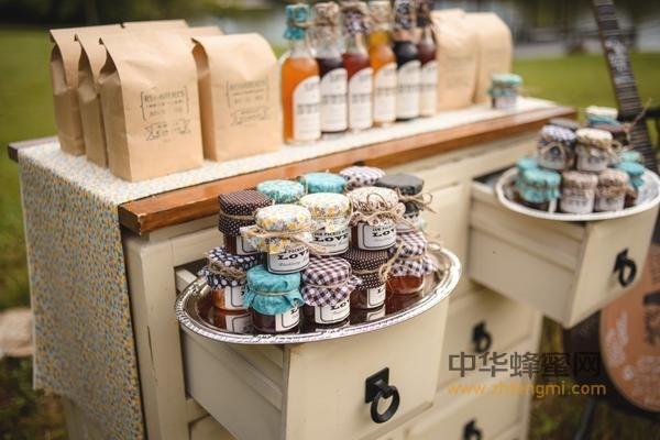 蜂蜜 革木蜂蜜(Leatherwood) 山茱萸蜜(Tupelo)  麦卢卡蜂蜜(Manuka Honey)