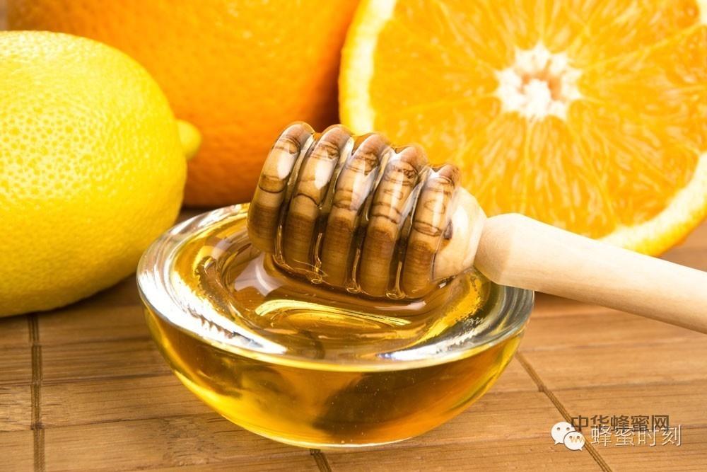【经期能喝蜂蜜吗】_水中加这些东西洗脸,不长皱纹,不显老。其中就有蜂蜜