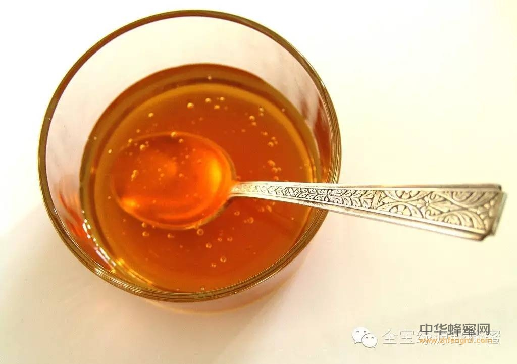 【柠檬水加蜂蜜】_每天喝蜂蜜好吗?一天一杯益处多