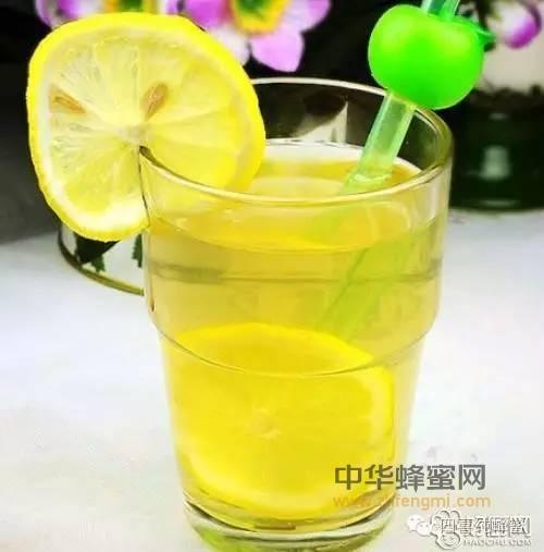 【蜂蜜幸运草】_爱喝蜂蜜水的你,喝对时候了吗——蜂蜜的作用与功效