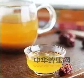 秋冬吃蜂蜜百病消+核桃加蜂蜜水快速神效丰胸法