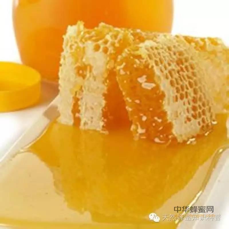 【蜂蜜祛斑的小窍门】_睡前喝蜂蜜可安神助眠 饮用方法要注意