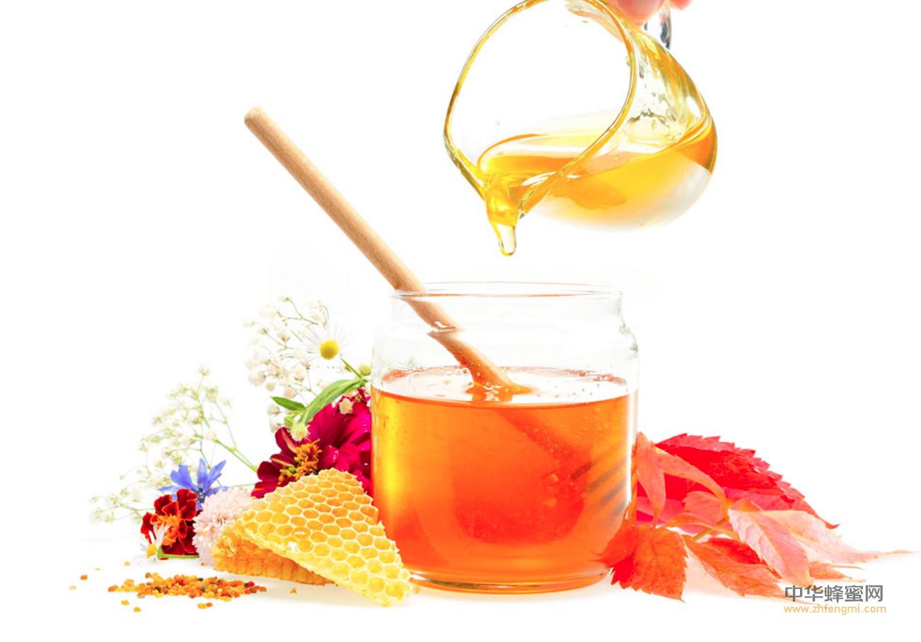 【用蜂蜜洗脸】_蜂蜜养生不可缺少的养生食谱