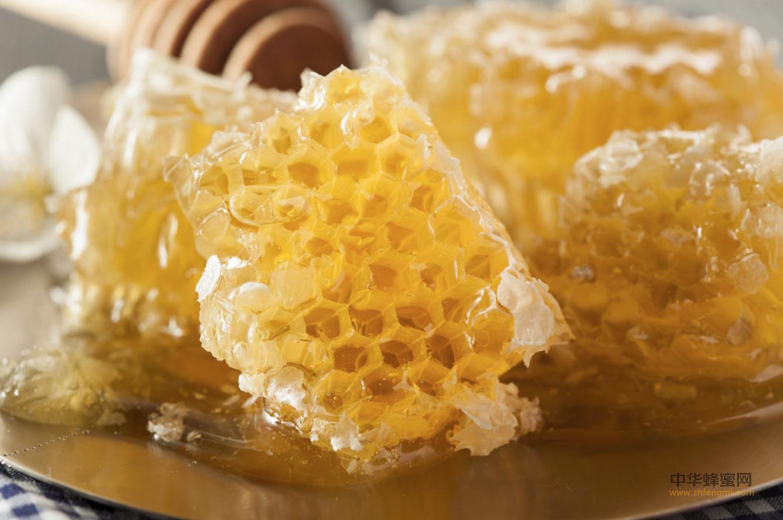 蜂蜜 副作用 蜂蜜水 4大禁忌 蜂蜜怎么吃才最有效 功效