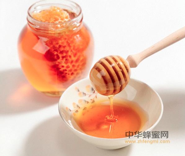 蜂蜜 蜂蜜的功效 润肺 止咳