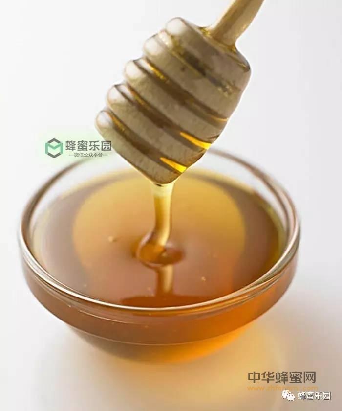 【土蜂蜜的功效】_为什么蜂蜜保存很久都不会变质?