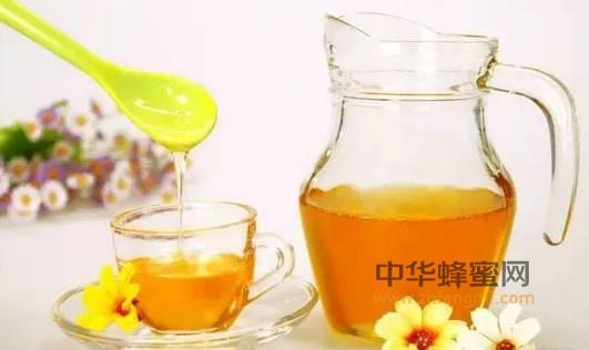 【喝蜂蜜水的禁忌】_蜂蜜泡大蒜,养生功效翻倍!