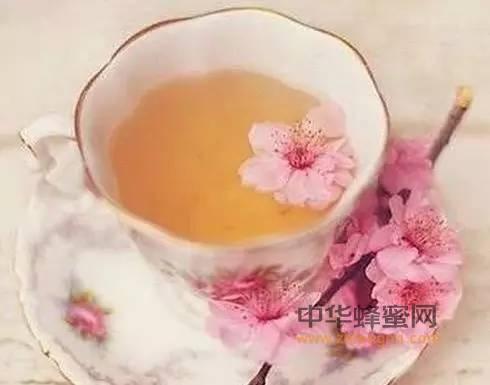 【蜂蜜减肥食谱】_美颜养生,樱花蜂蜜茶这样做